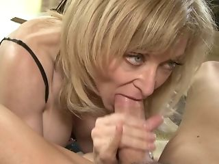 Good Looking Matures Blonde Nina Hartley Is Good At Man Rod