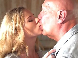 Old Bald Stud Seduced By Blonde Nubile Jenny Into Gonzo Fucky-fucky
