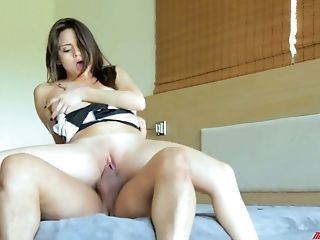 Romantic Sexy Beauty With Tastey Rack Is Totally Into Topping Fat Big Dick