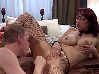 Mummy In Sexy Fishnets, Hard Hump And Oral Pleasure With Junior Masculine