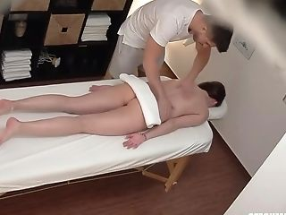 Horny Stunner Knows Where To Go To Get Fucked And Cover It With A Rubdown Excuse